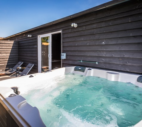 Dom Ruinart Suite Outside Hot Tub